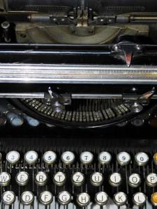 typewriter-377042_1280